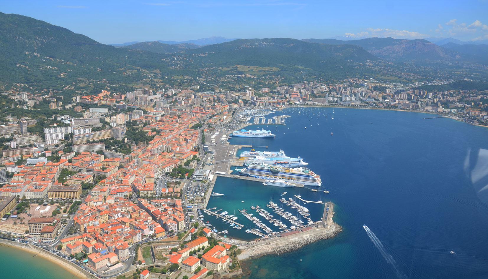 La base d 39 ajaccio absolute yacht - Location voiture bastia port ...
