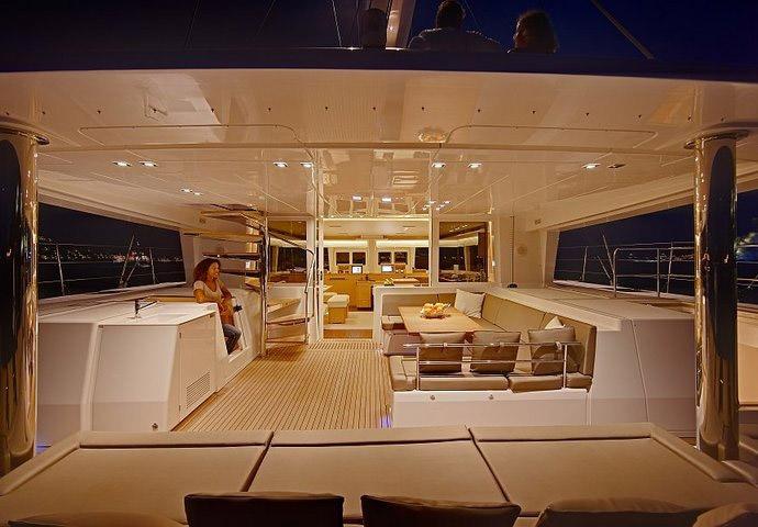 location catamaran corse lagoon 560
