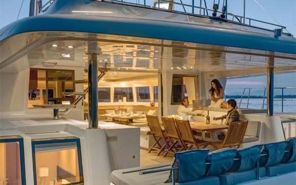 catamaran avec équipage sud Corse nord Sardaigne lagoon 620